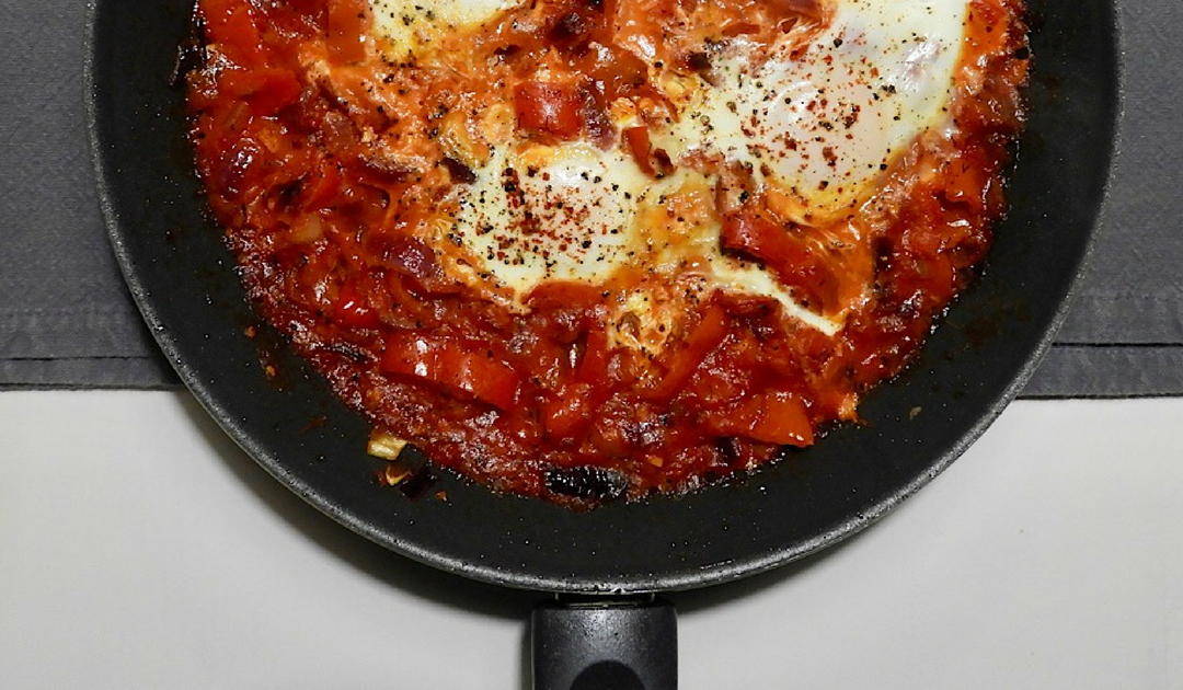 Menemen, Turks streetfood, een groenteschotel met ei