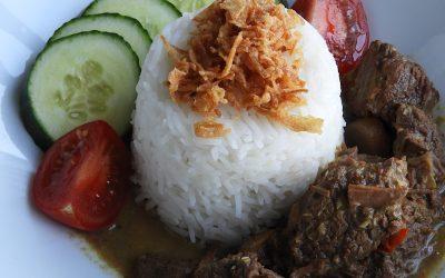 Maleisische rendang van rundvlees