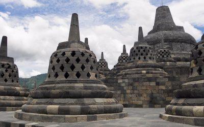 De Borobudur op Java, een van de negen nieuwe wereldwonderen