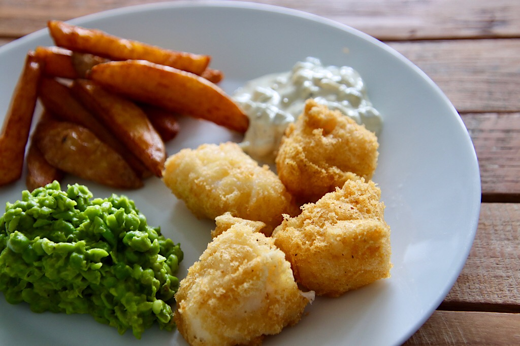 Fish and chips met mushy peas
