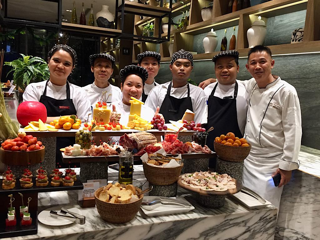Myanmar buffet Pullman