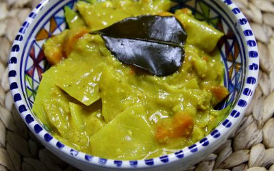 Indonesische sayur lodeh, een groentegerecht in kokossaus