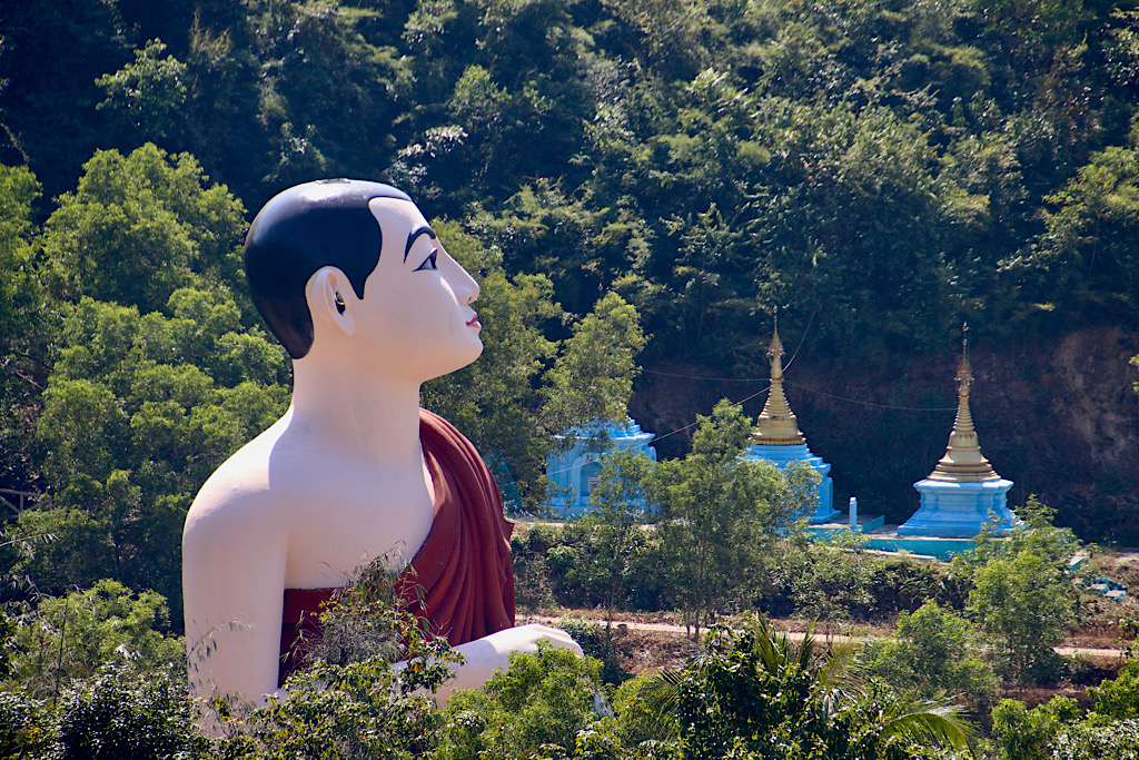 Myanmar; Hpa-an; Mawlamyine; Golden Rock
